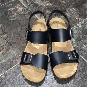 Whit mountain sandals
